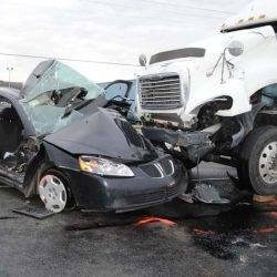 Hiring Truck Accident Attorneys- 5 Things to Do at the Truck Accident Scene