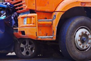 How Truck Accidents are Different from Auto Accidents? How a Truck Injury Law Firm Can Help?