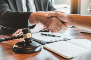5 Reasons To Hire A Mesothelioma Lawyer